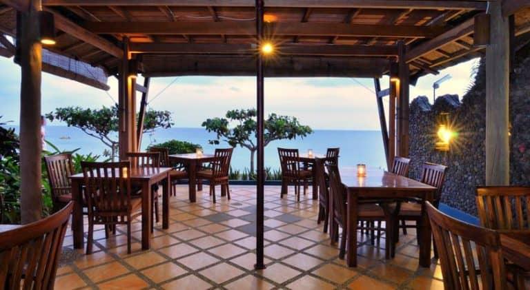 hotel lombok indonésie restaurant vue mer