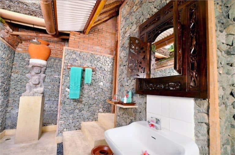 hotel lombok indonésie salle de bain luxe