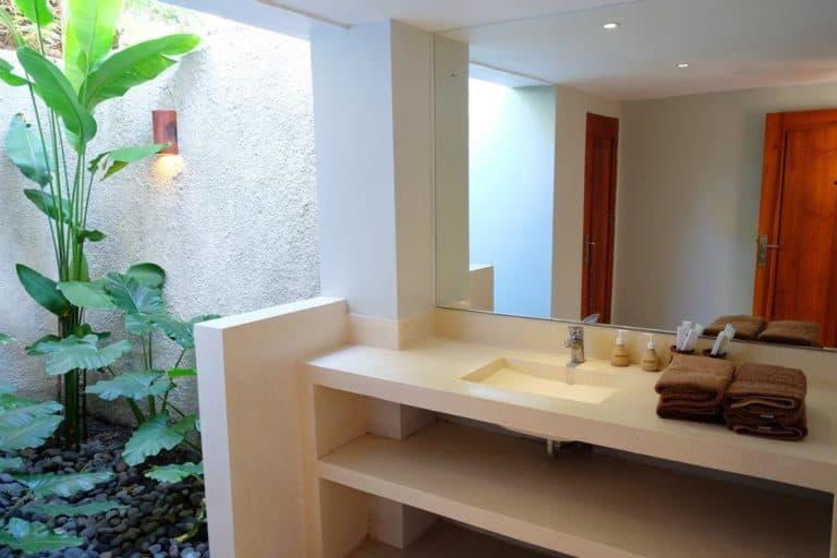 hotel lombok kuta salle de bains