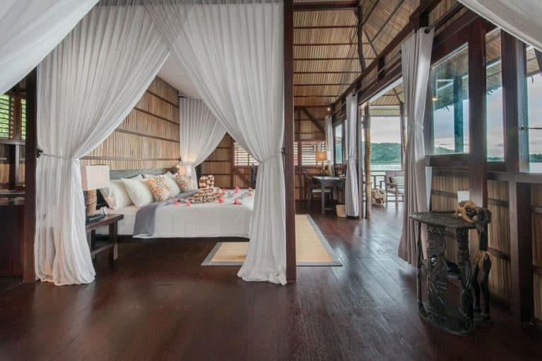 hotel luxe charme raja ampat lit