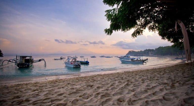 hotel nusa lembongan plage