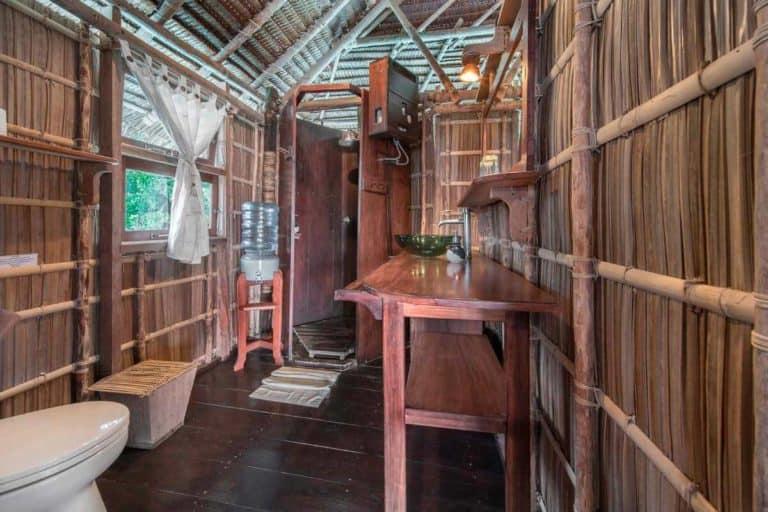 hotel papouasie raja ampat charme luxe toilettes