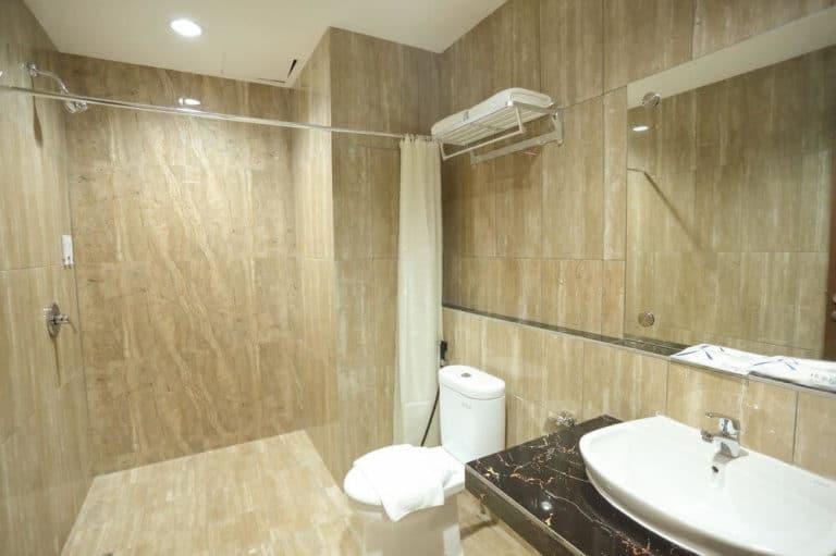 hotel papouasie sentani jayapura toilettes