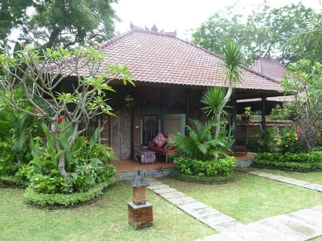 hotel pemuteran bali bungalows isolés