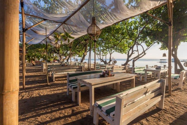 hotel pemuteran bali restaurant plage