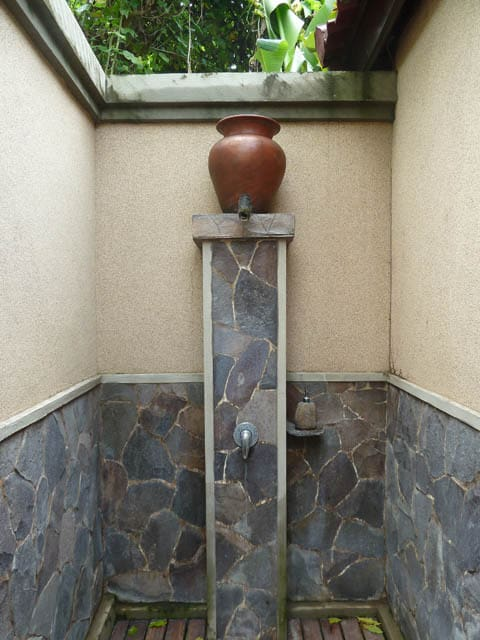 hotel pemuteran bali salle de bain extérieur
