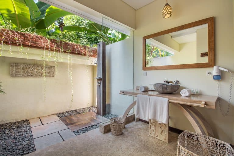 hotel pemuteran bali salle de bain