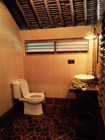 hotel senaru lombok toilettes