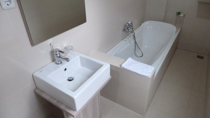 hotel sulawesi baignoire