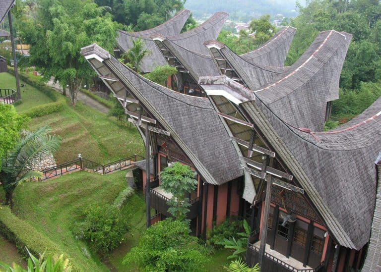 hotel sulawesi toraja rantepao tongkonan riziere