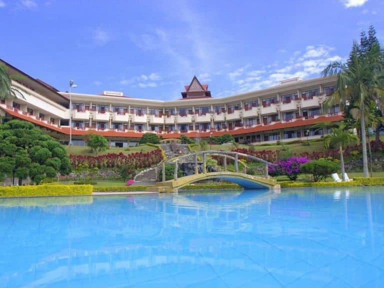 hotel Sumatra Berastagi vue piscine