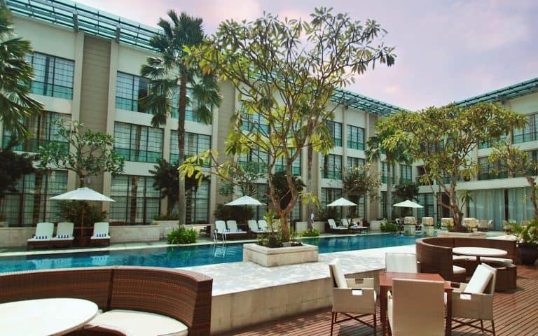 hotel Sumatra Medan vue piscine