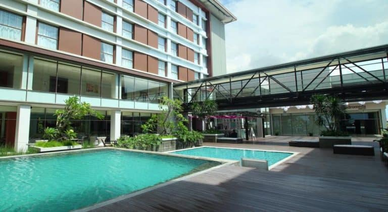 hotel Sumatra Padang piscine