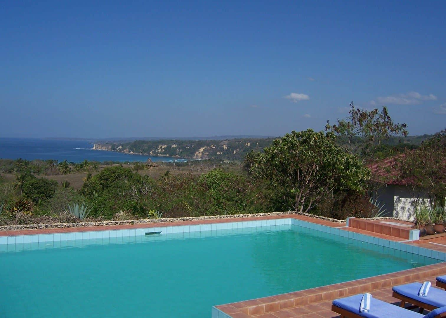 hotel Sumba Lamboya piscine océan