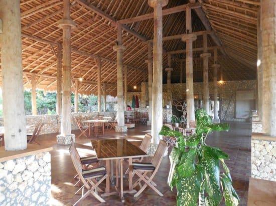 hotel Sumba Lamboya restaurant lu-13