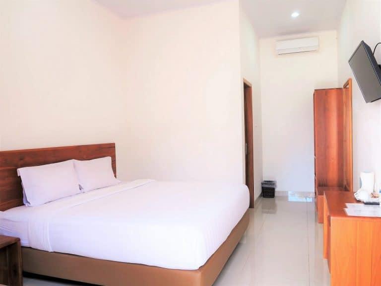 hotel Sumba Waingapu lit