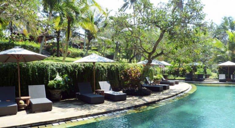 hotel surabrata indonésie