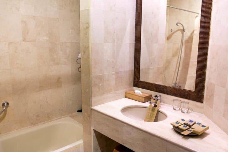hotel toraja sulawesi rantepao salle de bains