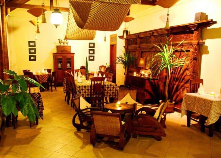 hotel yogyakarta indonésie piscine restaurant