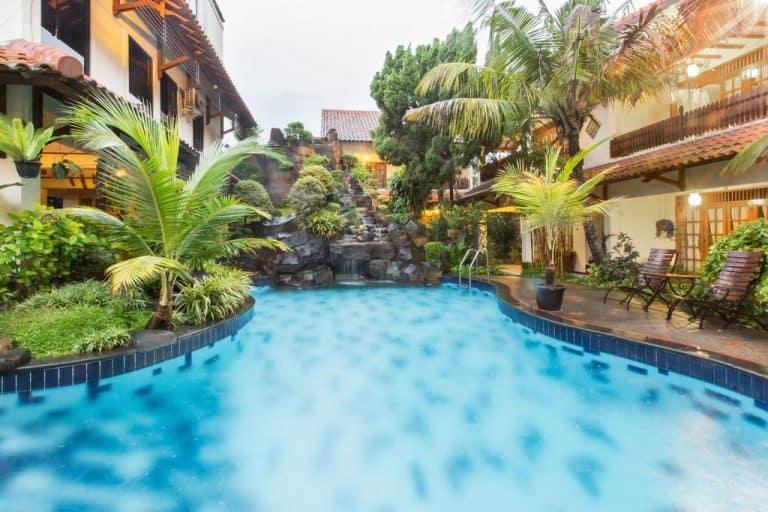 hotel yogyakarta indonésie piscine
