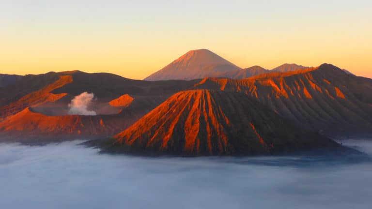 Trekking Java Bromo sunrise