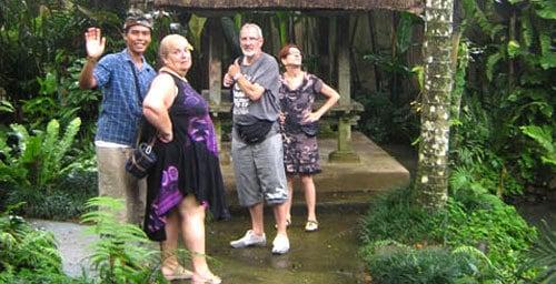 Kadek Sutrisna Guide Bali Authentique Client