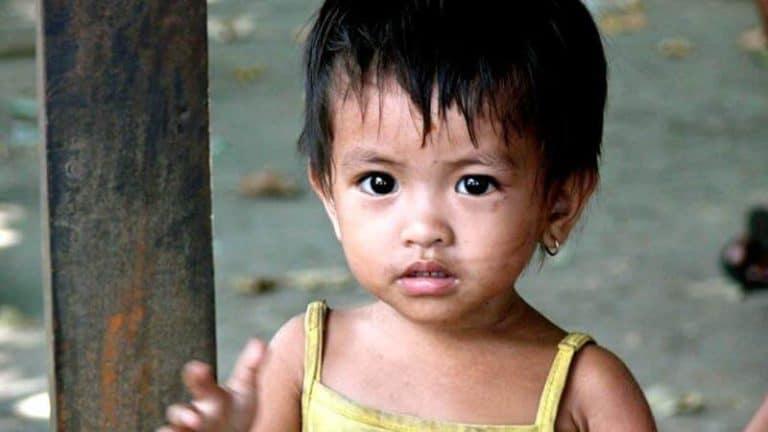enfant Bali Indonésie