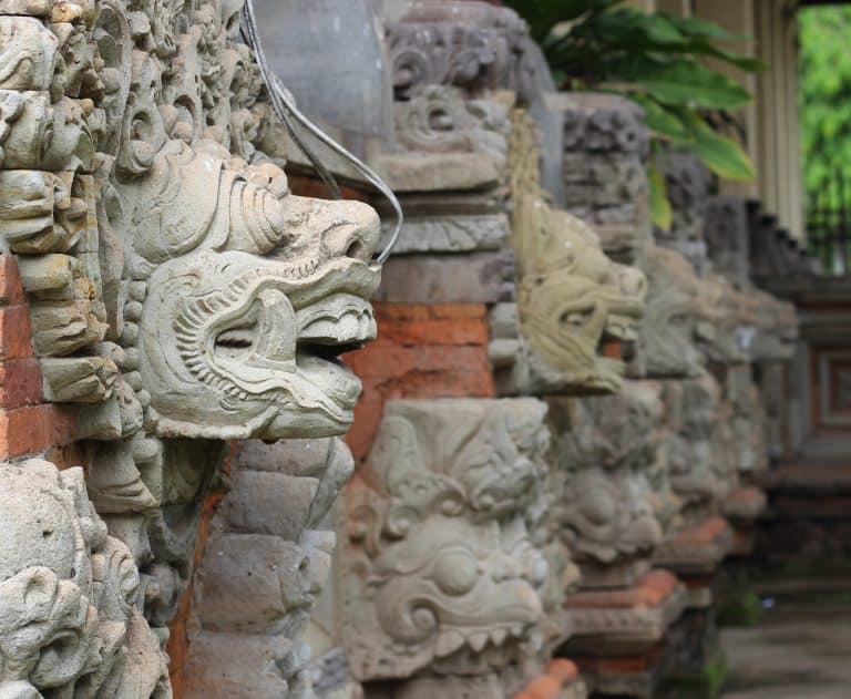 klungklung bali sculpture