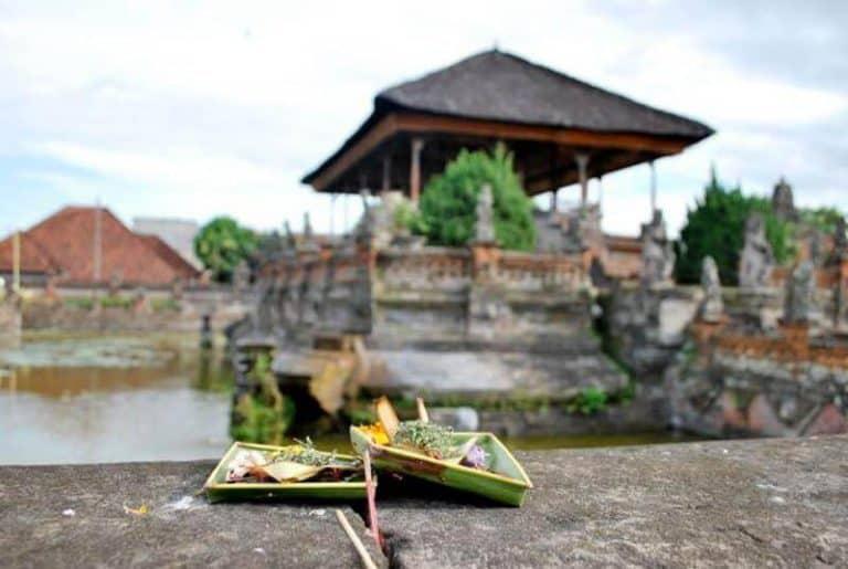 offrandes Bali palais Klungkung