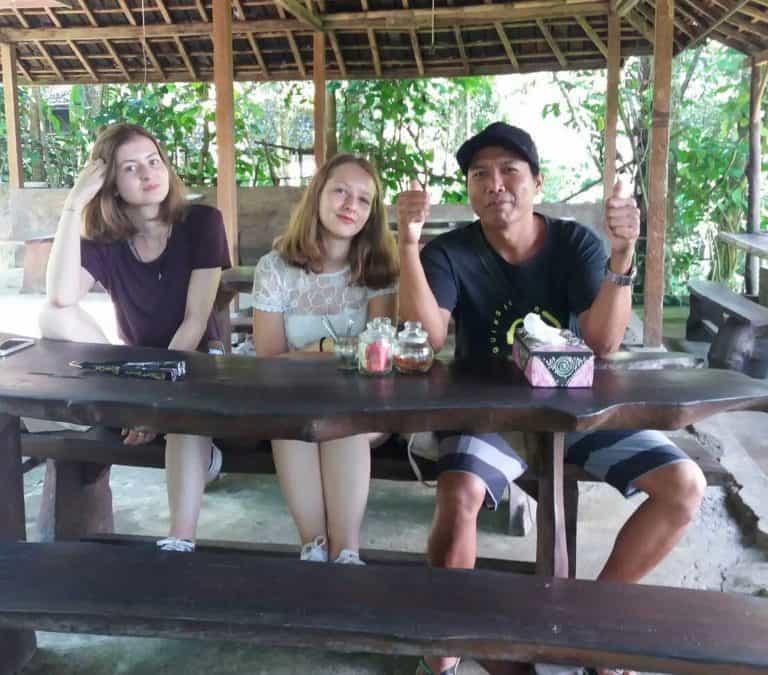 Komang Adiana Guide Bali Authentique