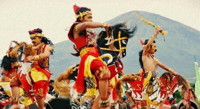 kuda lumping danse traditionnelle java