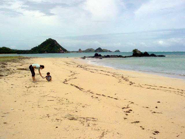 kuta lombok plage deserte indonesie