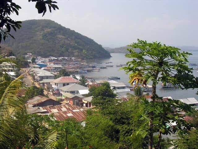Labuhanbajo Flores Indonésie ville port