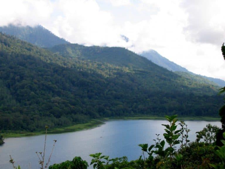 lac bratan buyan tamblingan volcans bali indonesie