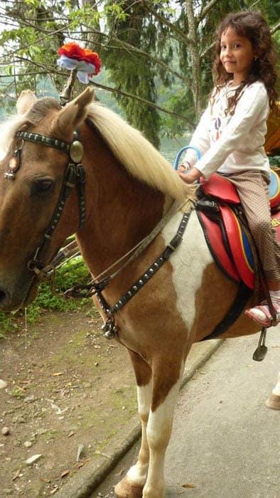 lac de serangan ile java balade cheval