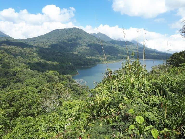 lacs montagnes volcans bali