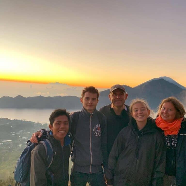 lever soleil batur bali famille