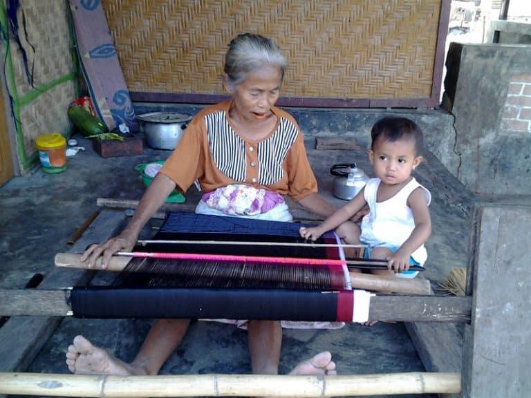lombok habitants tissage artisanat