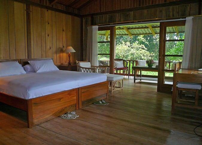 chambre vaste bois