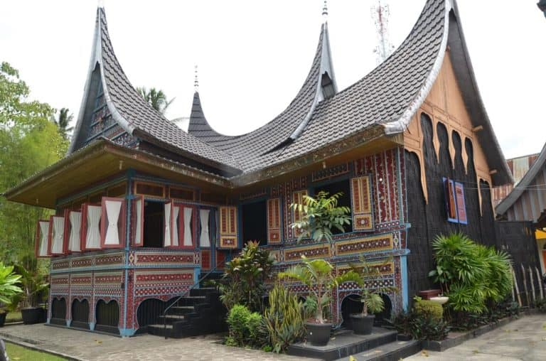 maison traditionnelle Minang Sumatra Indonesie