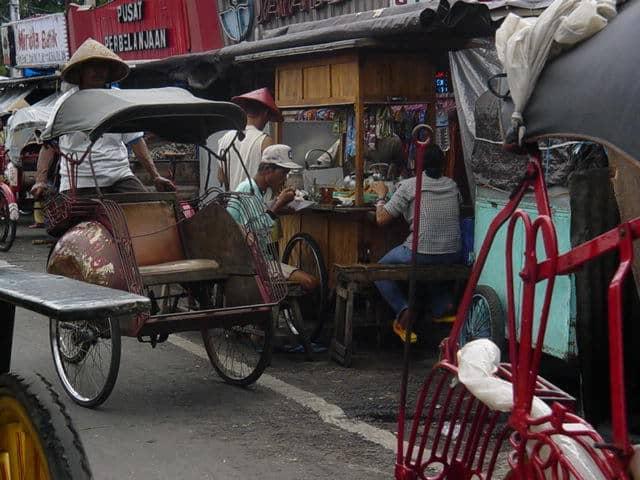 malioboro yogyakarta indonesie tuk tuk transport