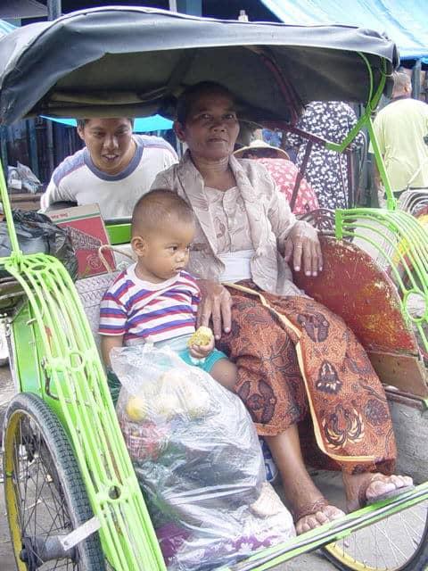 malioboro yogyakarta indonesie tuk tuk