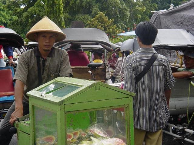 malioboro yogyakarta indonesie vendeur fruits