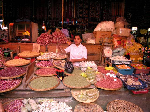 marché flores epices ile indonesie