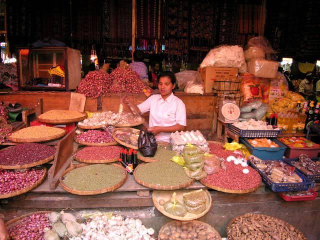 marché flores epices ile indonesie