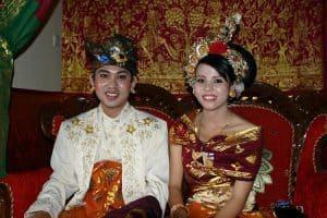 mariage balinais authenticité costumes