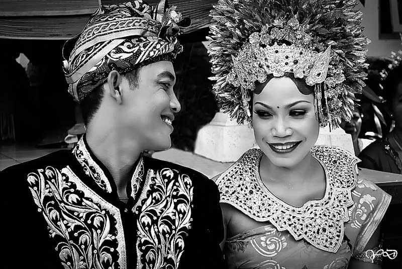 mariage traditionnel costumes balinais