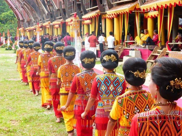 mariage toraja sulawesi coutumes indonesie