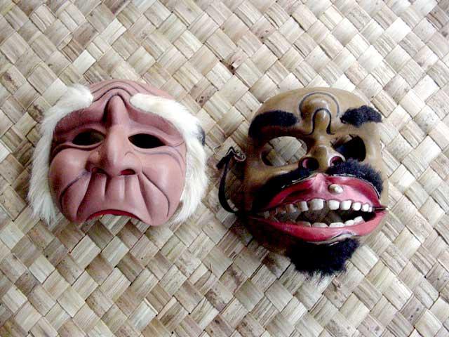 masques balinais bois sculpté peinture