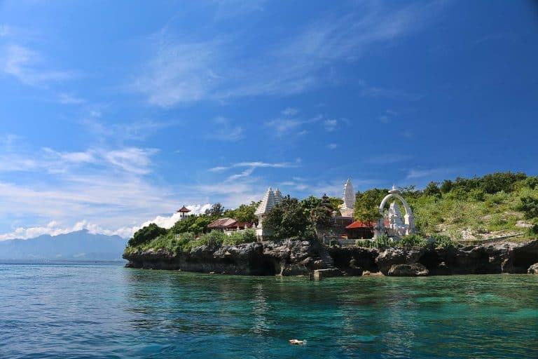 Menjangan Bali Temple Hindou Blanc Snorkeling In Front